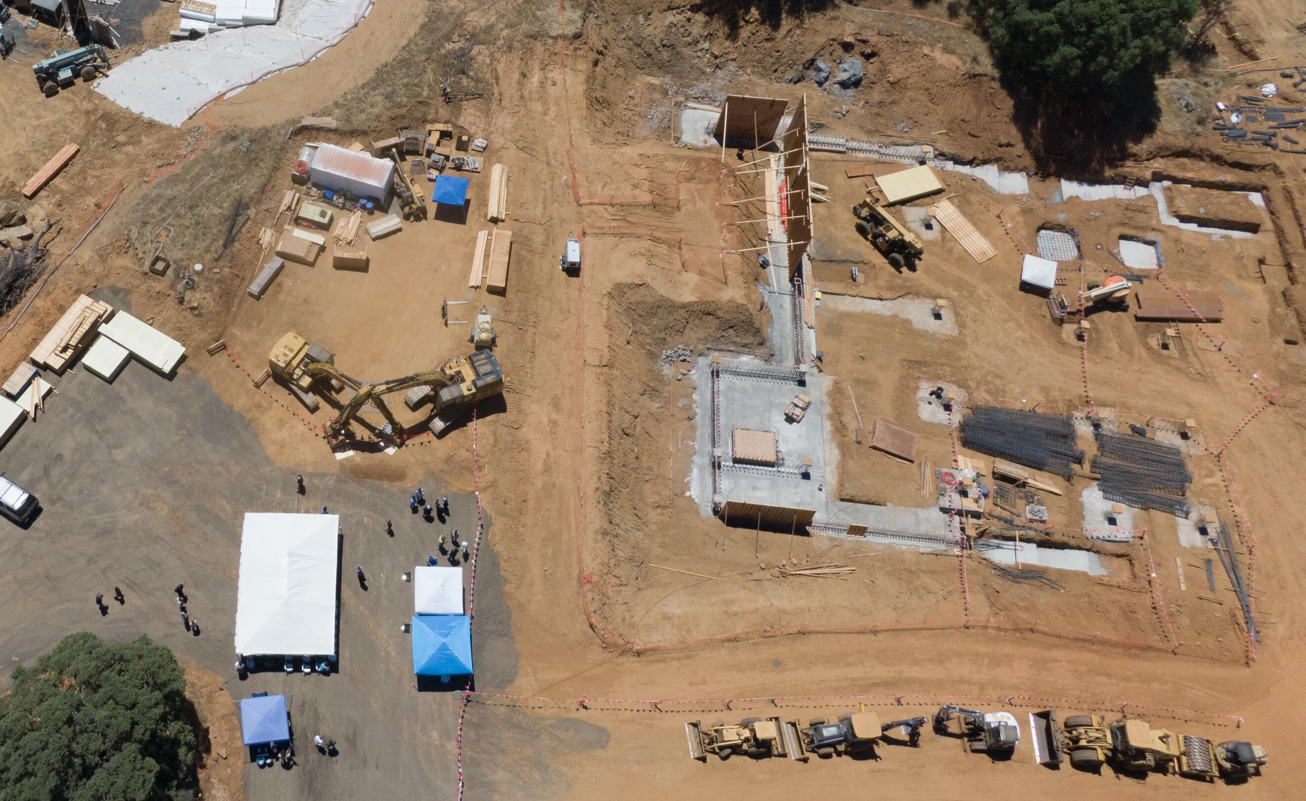 Aerial view of construction site for the new Tuolumne County Courthouse in Sonora.