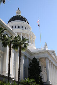 exterior of capital building in Sacramento